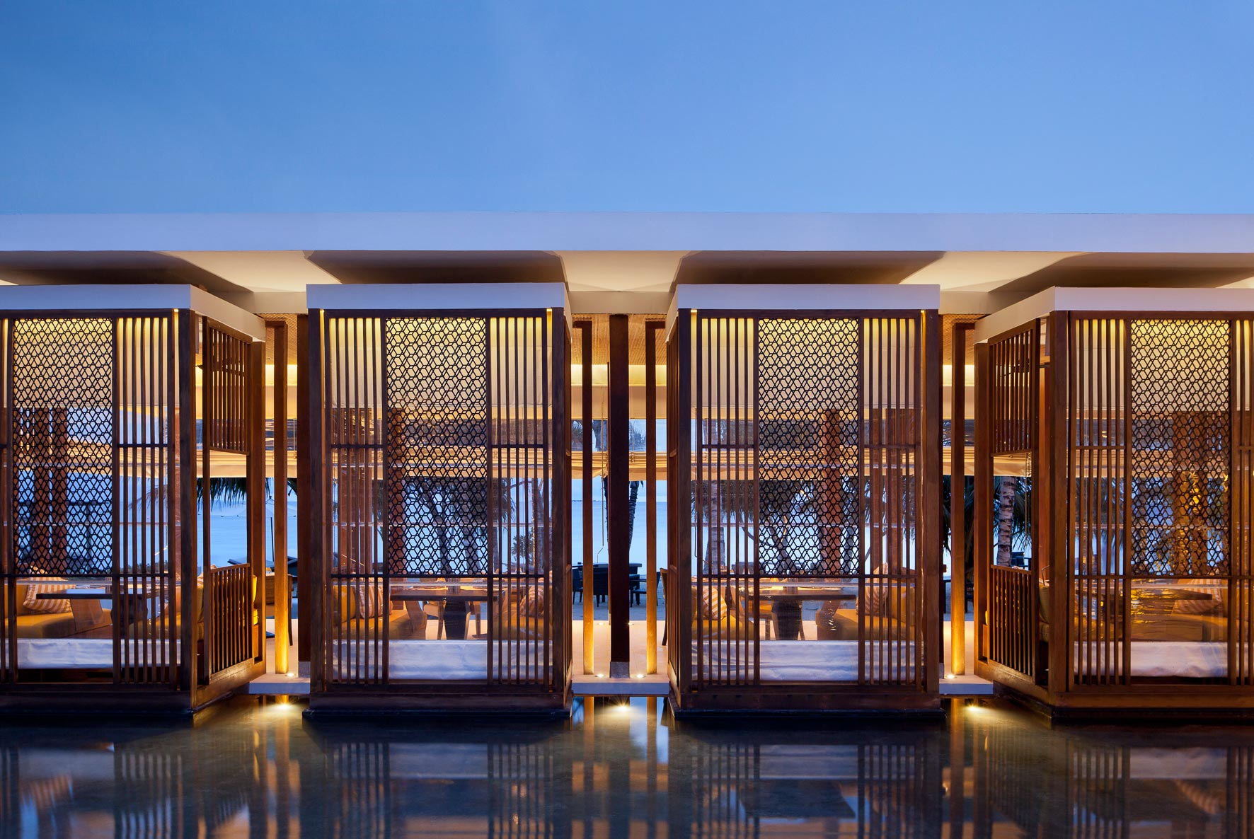 Owen Raggett,  architectural photographer Singapore. Jumeirah Hotel, Maldives. Architectural photographer Asia