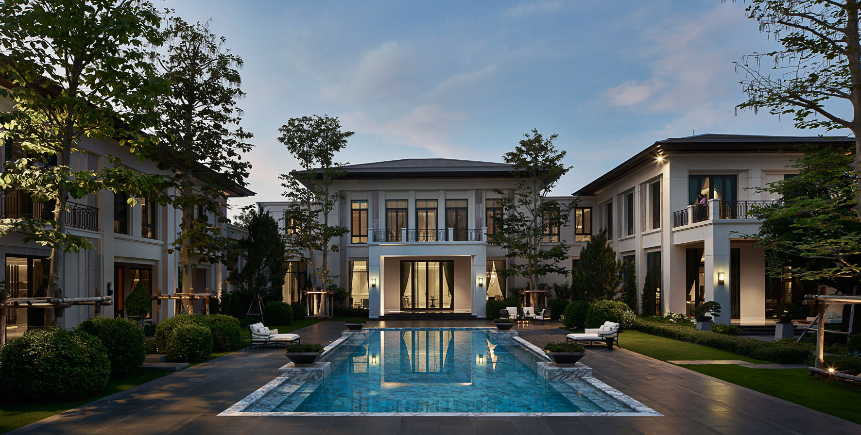Owen Raggett, architectural photographer, Asia. Luxury residental, Bangkok